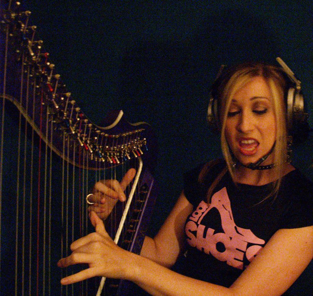 Elena Aker, arpista. Elena