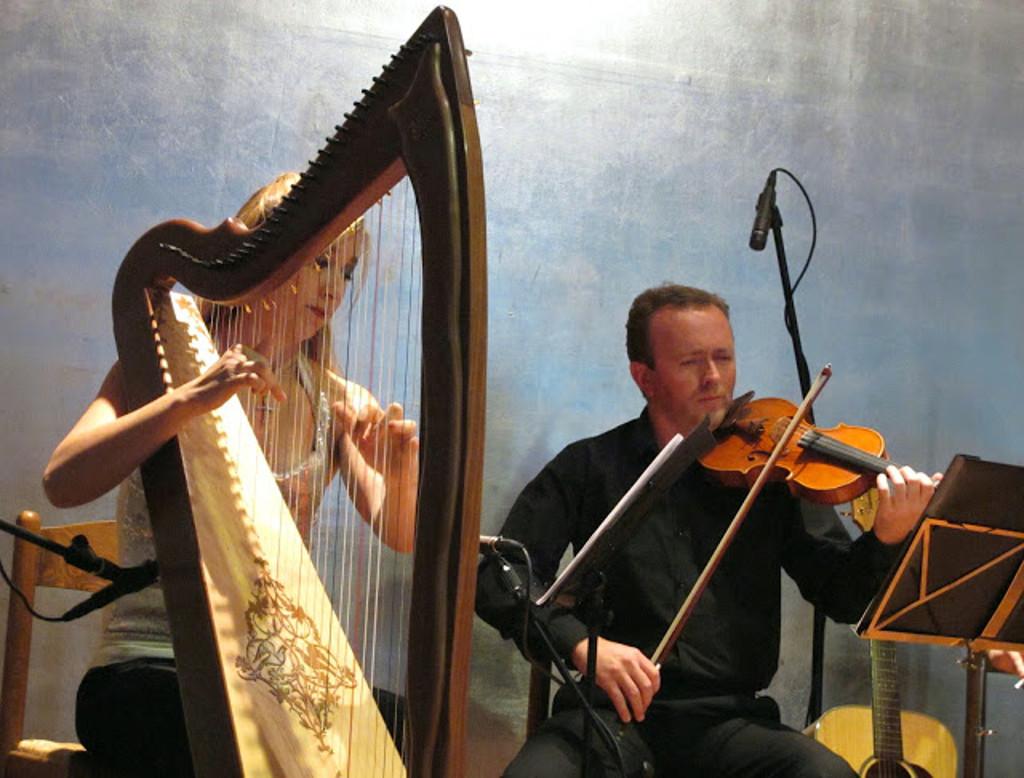 Elena Aker, arpista. Concierto de Arpa y Guitarra 3