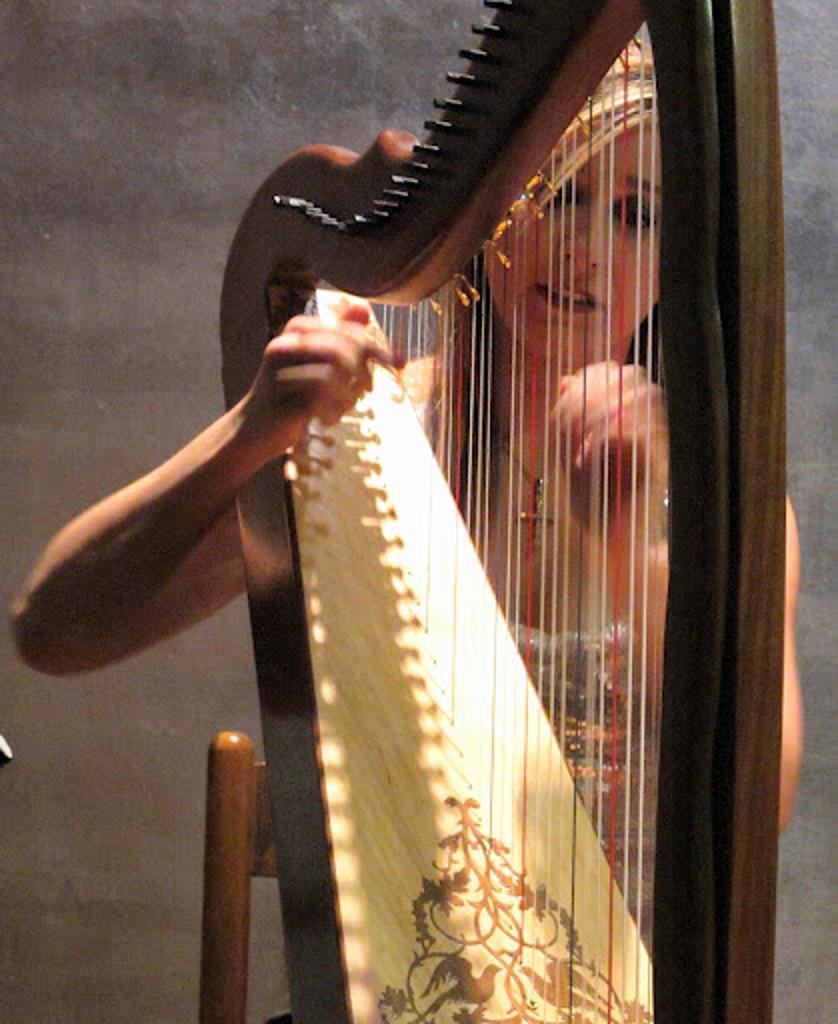 Elena Aker, arpista. Concierto de Arpa y Guitarra 7